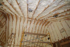 عایق بندی سطوح چوبی در دیوارکوبی ساختمان چوبی , کلبه و سونا