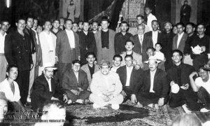 عکس طیب حاج رضایی در مراسم آشتی با حسین رمضان یخی
