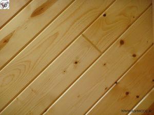 مزایای چوب در دکوراسیون داخلی منزل , مزایا دیوارکوب لمبه کاج روسی , سقف کاذب چوب کاج روسی , درب ورودی از چوب کاج , مزایا دکوراسیون چوب کاج