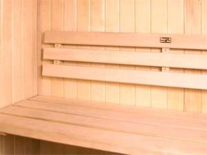 چوب بدون گره در سونای خشک