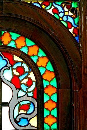 گره چینی ، ترکیب چوب ، آینه ، شیشه رنگی و.