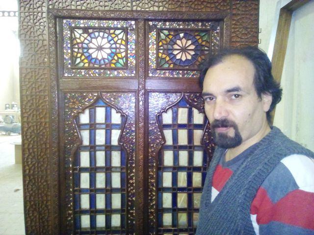 درب قدیمی ، درب گره چینی ؛ درب اسلیمی