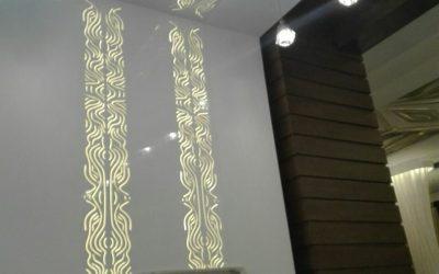 دکوراسیون چوبی و نورپردازی رستوران