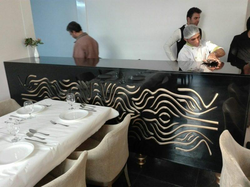 دکوراسیون چوبی رستوران شاندیز