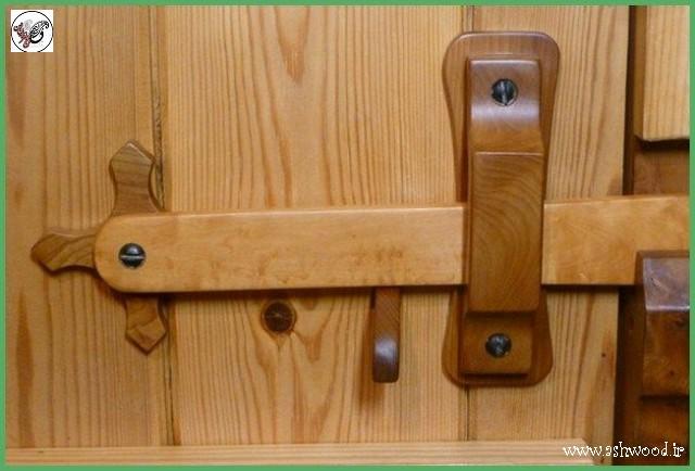 یراق و لولای درب چوبی